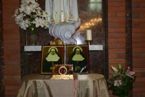 Мощи сестер Лаврентии и Олимпии в кафедральном соборе Новосибирска