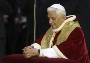 Бенедикт XVI на Пьяцца ди Спанья
