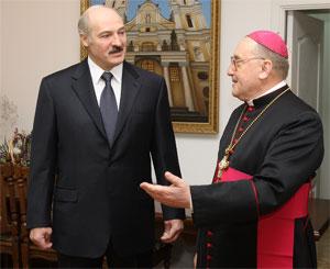 Президент Белорусси Лукашенко и митрополит Минско-могилевский Тадеуш Кондрусевич