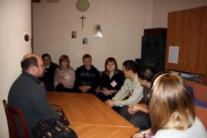 Диакон Александр Деппершмидт с молодежью