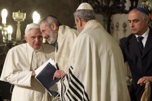Папа беседует с главным раввином Рима Риккардо Ди Сеньи