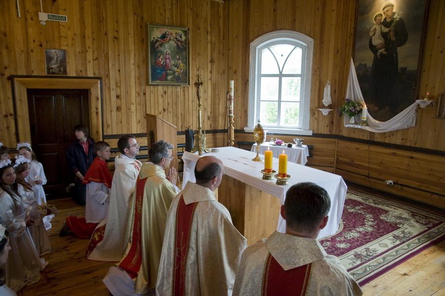 Католический храм в селе Белостоке Томской области отметил свой 100-летний юбилей
