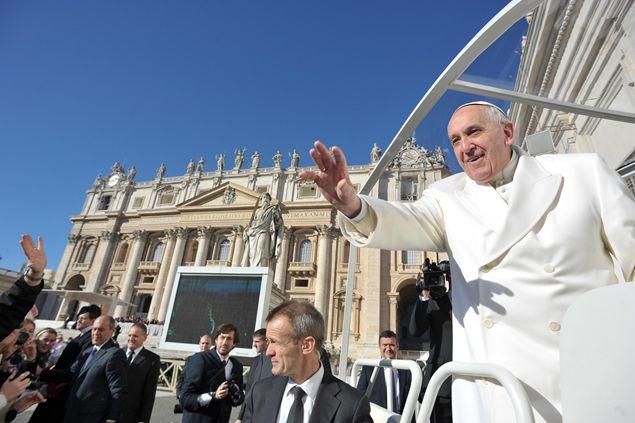 Общая аудиенция Папы Франциска на площади Святого Петра в день почитания Пресвятой Богородицы Лурдской