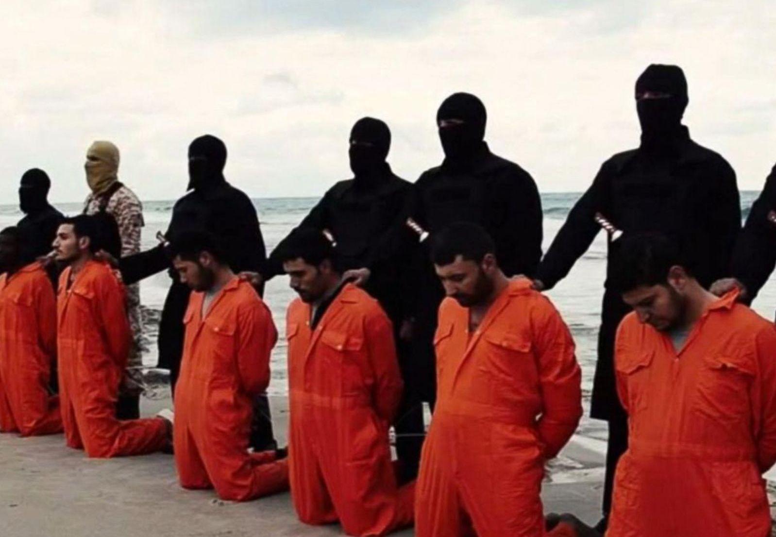 Боевики экстремистской группировки «Исламское государство» казнили более 20-ти египетских христиан