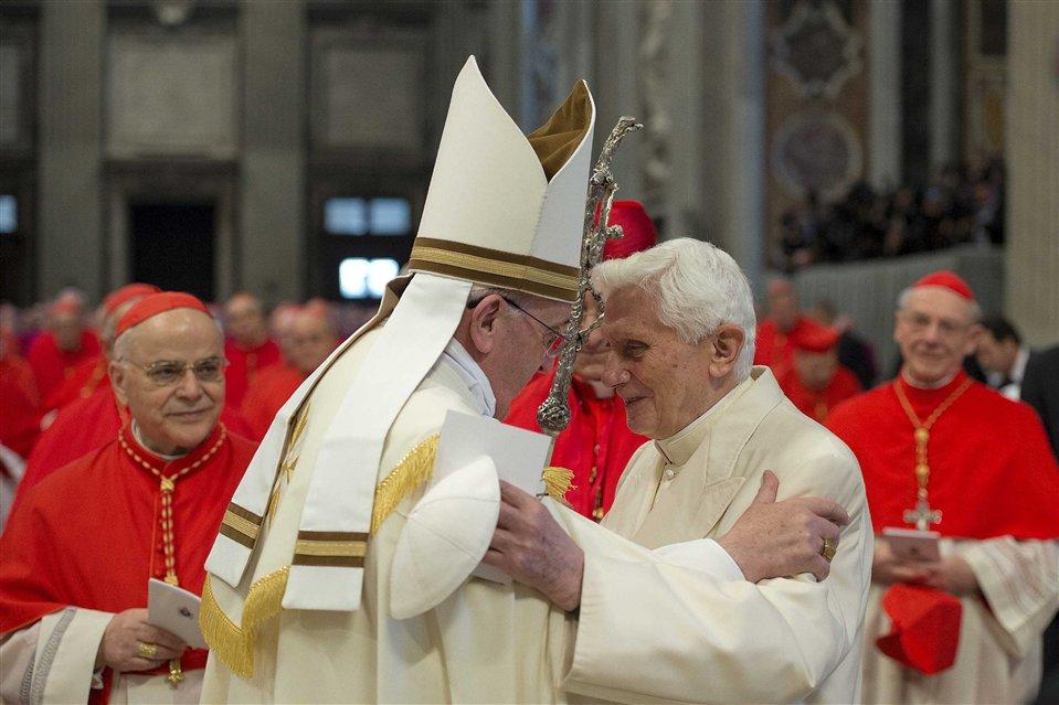 Бенедикт XVI будет присутствовать в качестве почетного понтифика на субботней консистории