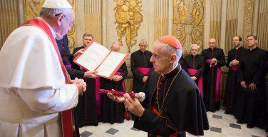 Кардинал Торан принес присягу в качестве нового камерленго Римской Церкви