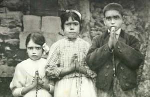 Дети-визионеры Франсишку Марту, Жасинта Марту и Лусия Абобора