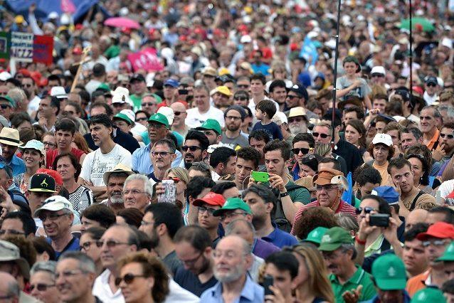 Более 300 тыс. человек протестовали против легализации однополых «браков» в Риме