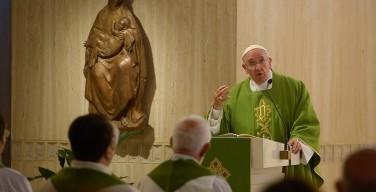 Папа: Церковь является общиной, если она приближается к самым последним