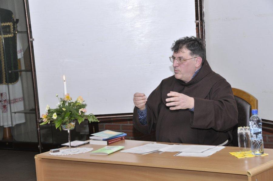 «Желание посвятить свою жизнь служению в Церкви сформировалась у меня очень рано». Большое интервью с о. Коррадо Трабукки, OFM (первая часть)