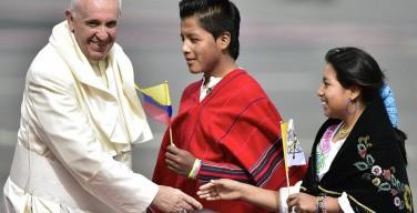 Папа прибыл в Эквадор (лучшие фото)