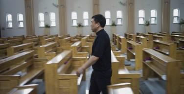 КНР: 79 выпускников католических семинарий, одобренных властями