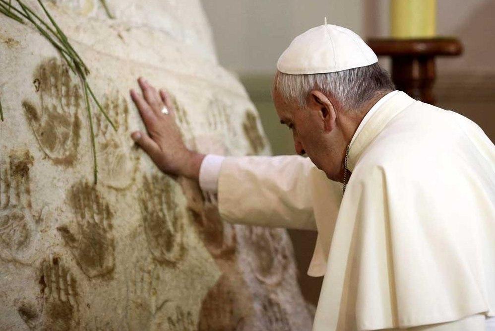 Папа в Парагвае: вера, счастье и нужда (фото)