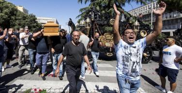 Пышные похороны мафиозного босса в Риме вызвали шквал возмущения в стране