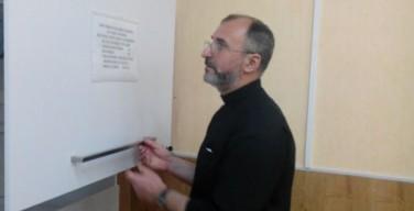 Суд Кирова отказал в удовлетворении жалобы католического священника на закрытие бэби-бокса