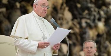 Папа: идеология прибыли хочет поглотить смысл праздников