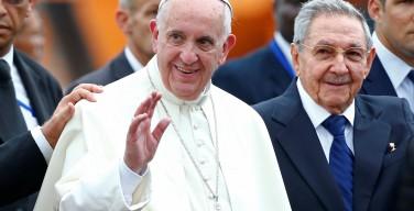 Первые фото Папы Франциска на Кубе