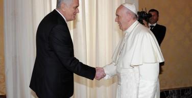 Папа встретился с президентом Сербии: в центре беседы — положение беженцев