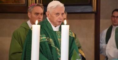 Бенедикт XVI: сердечный недуг приводит к коррупции