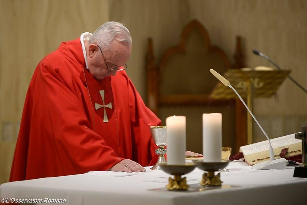 Папа: чтобы победить соблазны лукавого, нужно следовать путём Креста