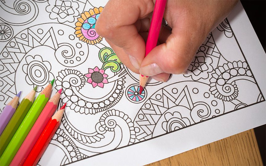 Книжки-раскраски для взрослых: не только успокаивающее,но и элемент духовной практики?