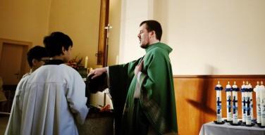 Настоятель берлинской церкви за последнее время крестил 150 беженцев-мусульман