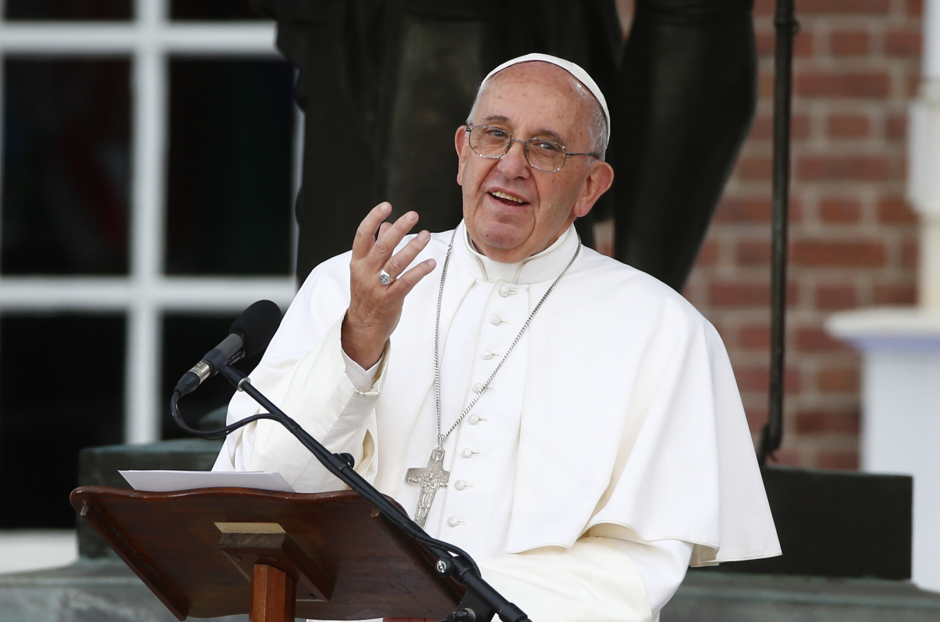 Папа: свобода вероисповедания не является частным делом