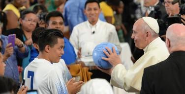 Встреча Папы Франциска с учениками католической школы в Гарлеме