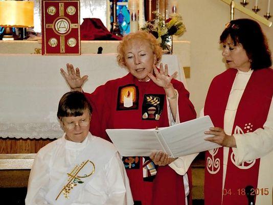 Католическая монахиня была отлучена от Церкви за тайное служение в качестве священника
