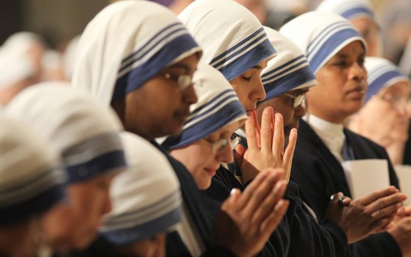 Католические приюты в Индии сворачивают работу по усыновлению детей