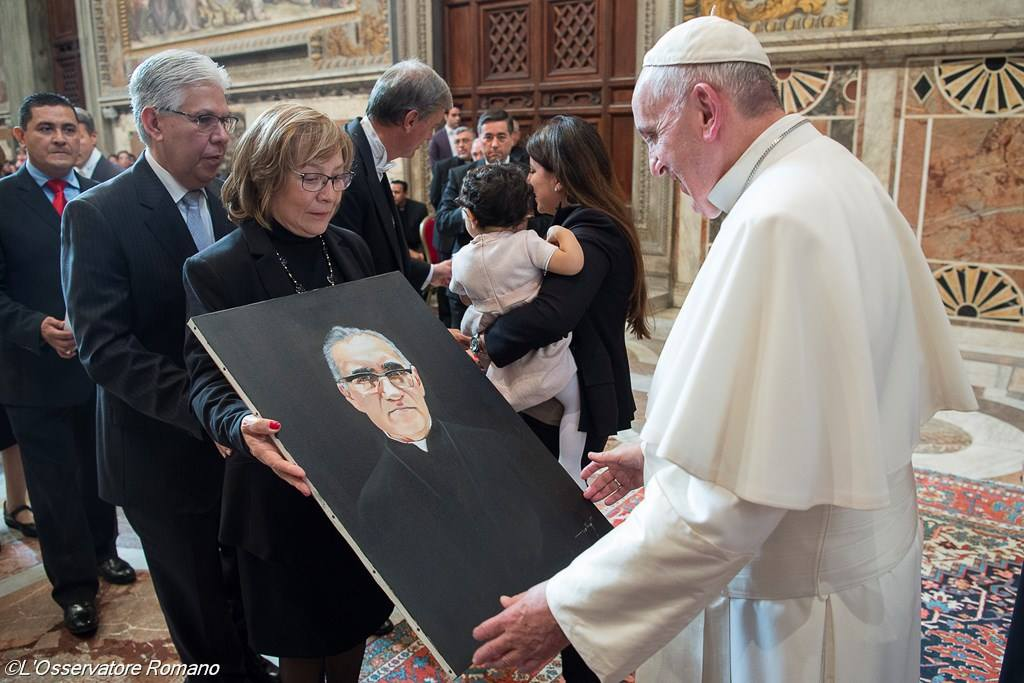 Папа: мученичество блаженного Оскара Ромеро продолжалось и после смерти