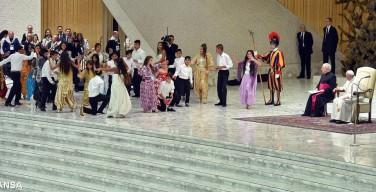 Папа — цыганам: да не случится больше трагедий с вашими детьми