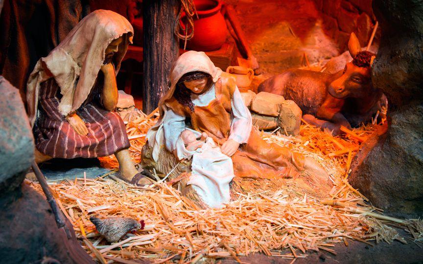 В Нью-Йорке мать оставила новорожденного ребенка в яслях, устроенных в церкви к Рождеству