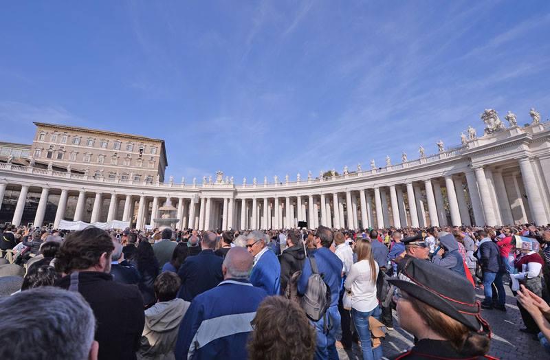 Папа Франциск о терактах в Париже: «Оправдывать насилие именем Божиим – богохульство»