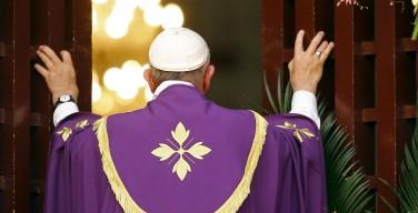 Папа открыл в Африке Юбилейный год милосердия (ФОТО)