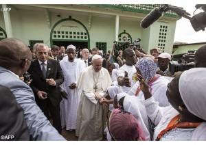 Папа Франциск посещает мечеть
