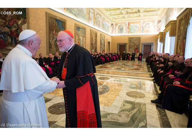 Папа Франциск немецким епископам: Церкви в Германии угрожают эрозия веры и чрезмерная институционализация