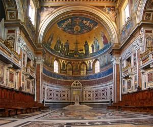 Латеранская базилика в Риме изнутри