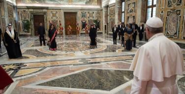 Папа: насильственный ответ на войны и терроризм