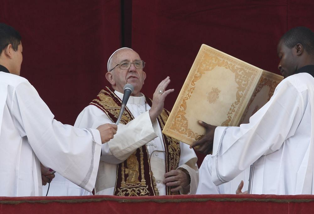 Послание Папы «Граду и Миру»: «Там, где рождается Бог, расцветает милосердие»