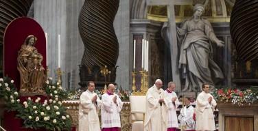 Праздник Святого Семейства в базилике Святого Петра (ФОТО)