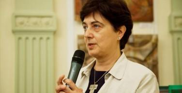 Джованна Парравичини: Врата Милосердия впервые будут открыты во всем католическом мире