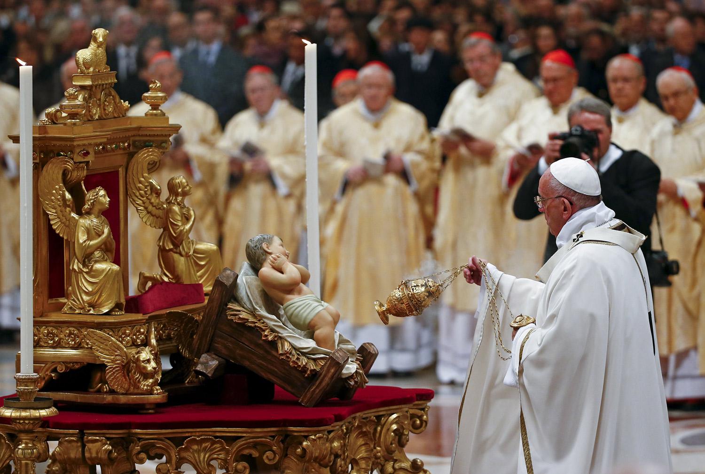 Рождество в Ватикане. Папа: Мы уже не одиноки. Прочь сомнения и страхи, ибо свет указывает нам путь