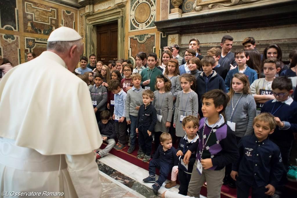 Папа: католические принципы образования отвергают идеологию