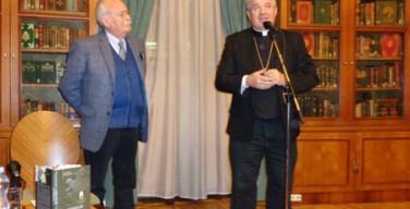 Известный российский журналист представил книгу о работе в папском пресс-пуле