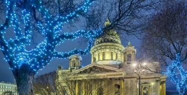 СМИ: в Исаакиевском соборе впервые в новейшей истории пройдет ночная рождественская служба