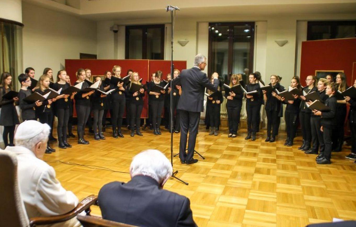 Рождественский концерт Pueri Cantores для Бенедикта XVI