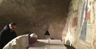 Папа Франциск посетил Греччо: да поможет нам Бог обнаружить рождественскую звезду