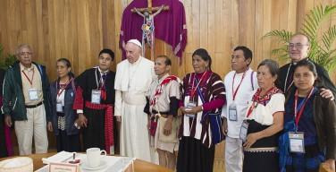 Папа в Мексике помолился у могилы епископа, которого враги называли «красным»