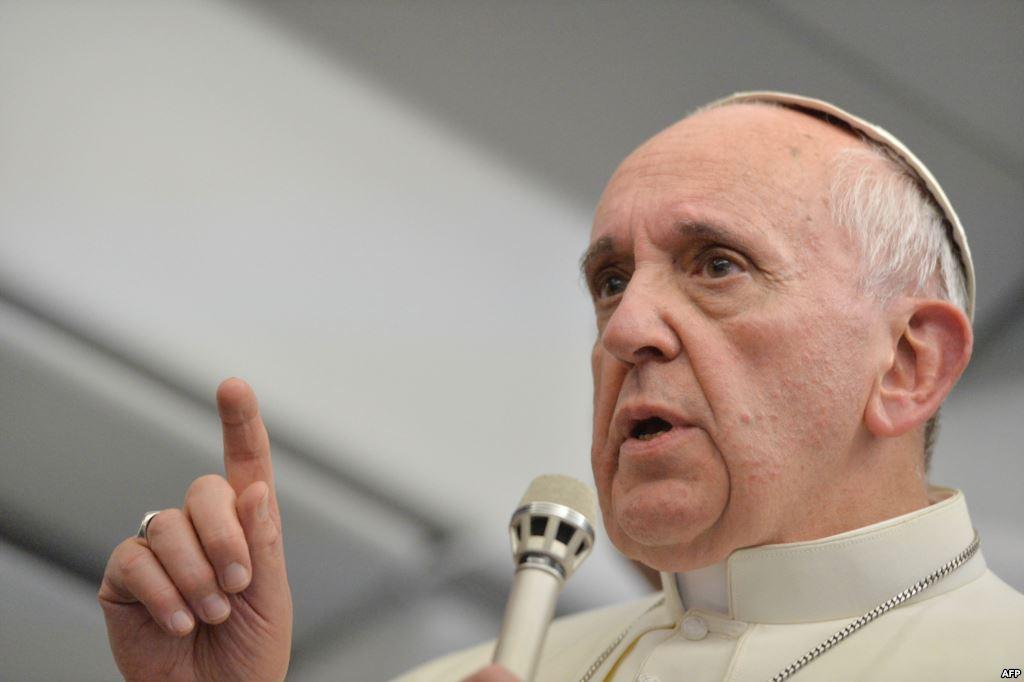Папа — политик?